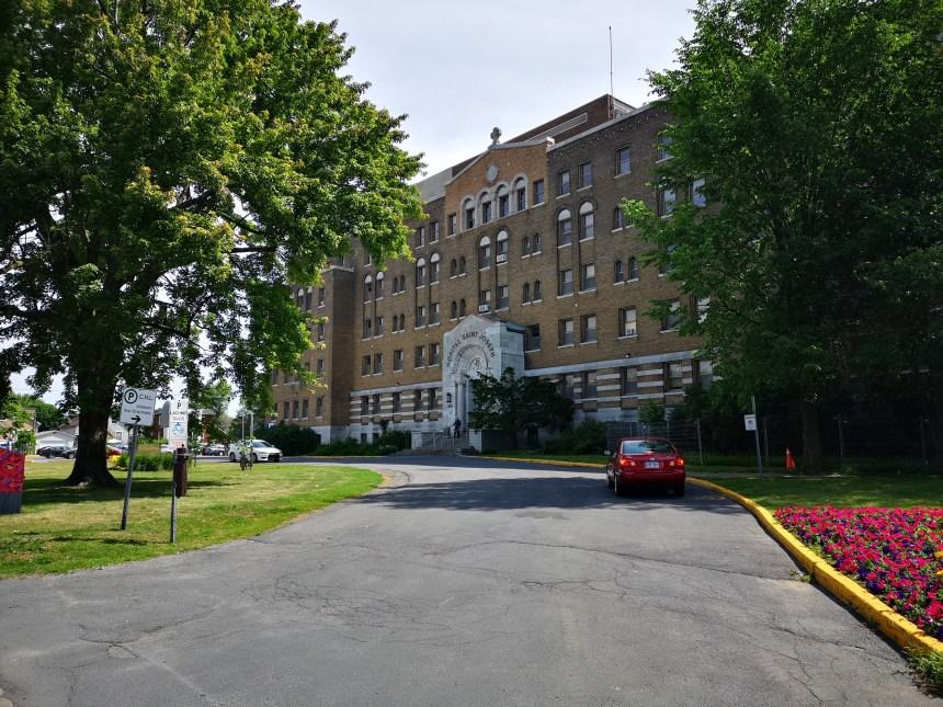 Début des travaux à l'Hôpital de Lachine