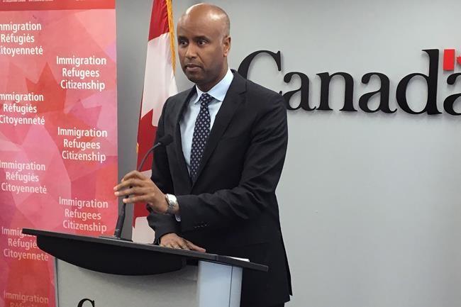 Immigration: L'Ontario réclame des excuses d'Ottawa