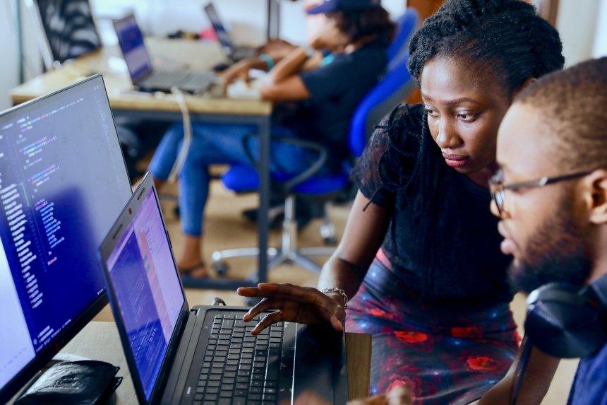 4 conseils pour aider les femmes à rester en technologie