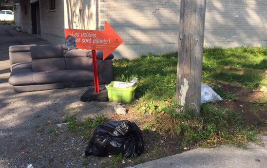 Des panneaux pour contrer les dépôts sauvages dans Rosemont
