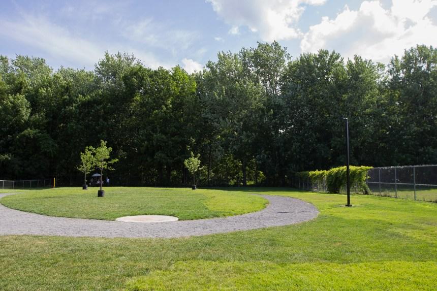 Un parc à chiens amélioré à la Polyvalente de Pointe-aux-Trembles