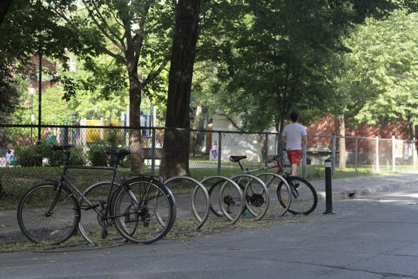 Un abri à vélo dans le Mile End