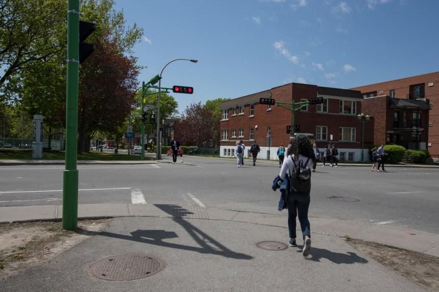 Projet de piétonnisation de la rue Decelles reporté