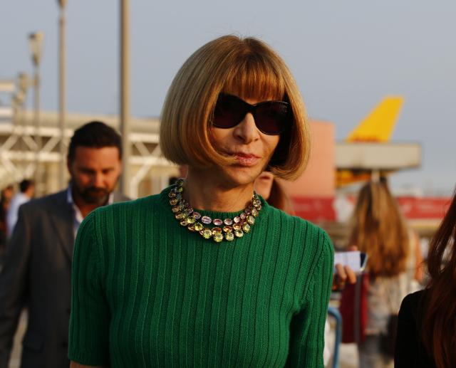 Anna Wintour fait taire les rumeurs de départ, va rester à la tête de Vogue