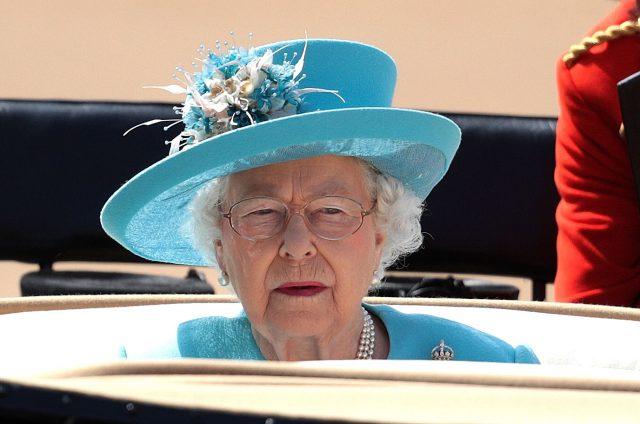 Un médecin de la reine tué à vélo par un camion à Londres