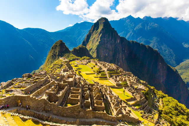 Au Pérou, une sépulture pré-Inca découverte grâce à des mini-robots