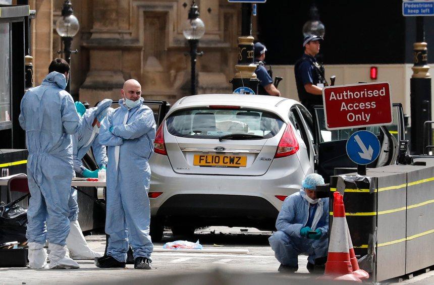 Un attentat à la voiture-bélier fait plusieurs blessés devant le Parlement à Londres
