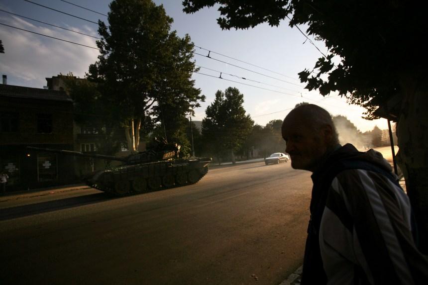Dix ans après la guerre, la Géorgie dénonce l'«occupation» russe