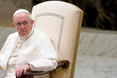 La «psychiatrie» pour les homosexuels: le Vatican corrige la déclaration du pape