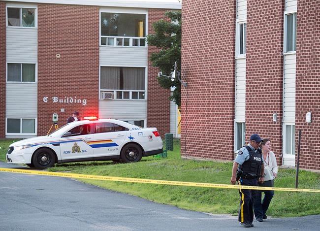 Fusillade à Fredericton: La police quitte la scène de crime