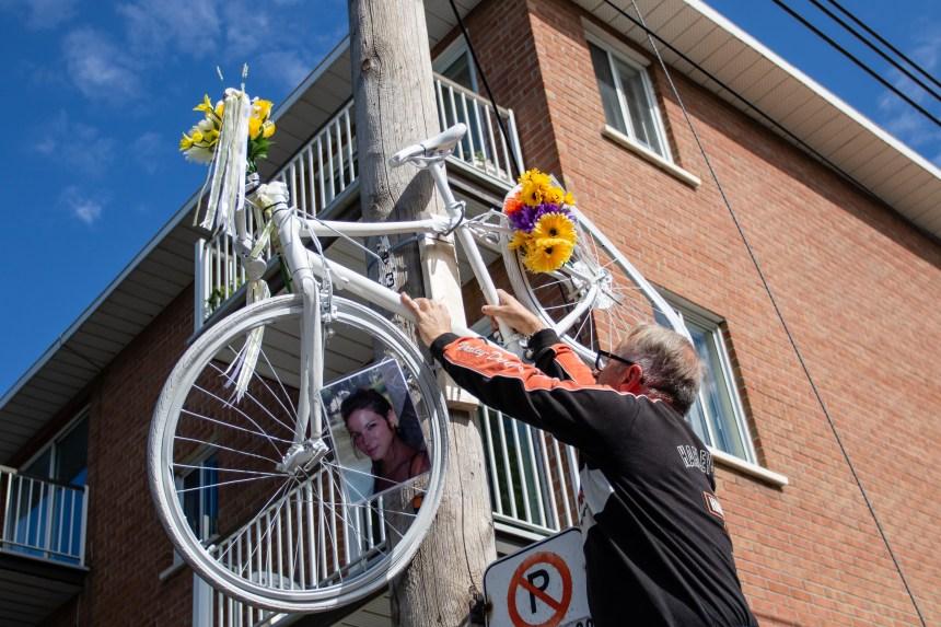 [PHOTOS] Un autre vélo fantôme installé à la veille d'une consultation