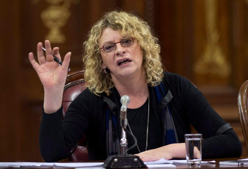 Michelle Blanc se dit victime de salissage
