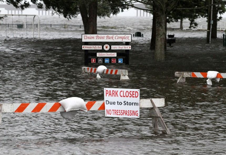 Après l'ouragan, alerte aux inondations dans l'est des États-Unis