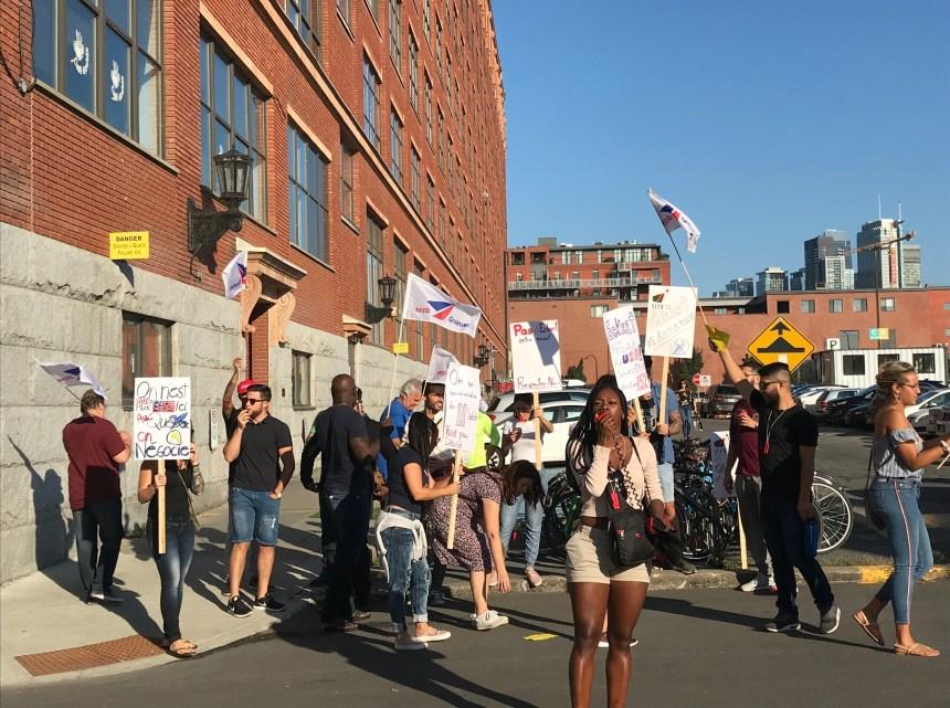 Les employés de Pages Jaunes en grève