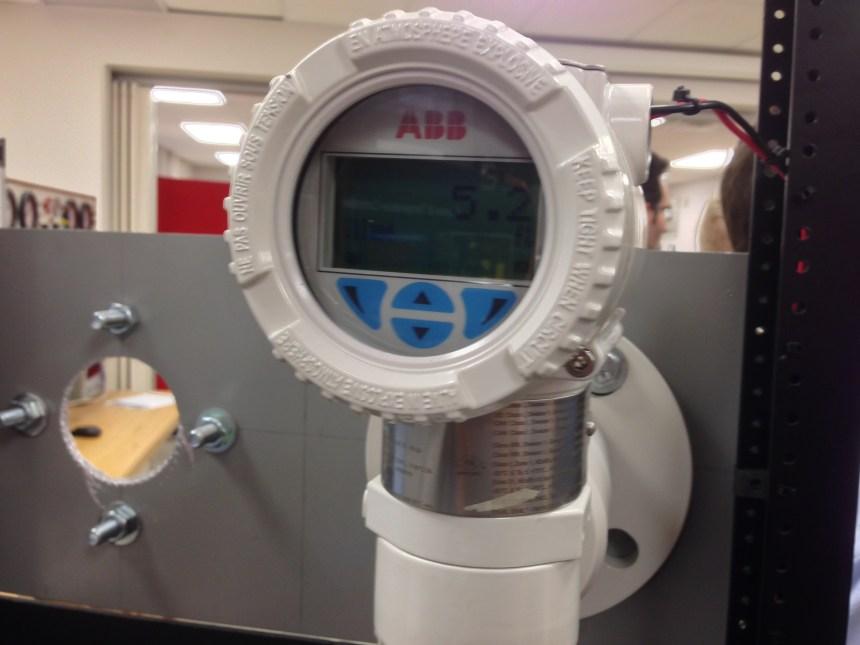 New laser device at Vanier College in Saint-Laurent