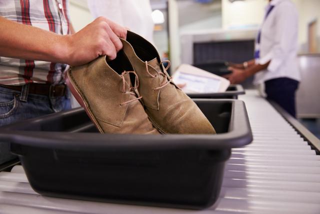 Pourquoi il est impératif de se laver les mains après avoir passé la sécurité à l'aéroport