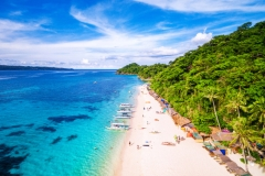 Les Philippines rouvriront l'île touristique de Boracay en octobre