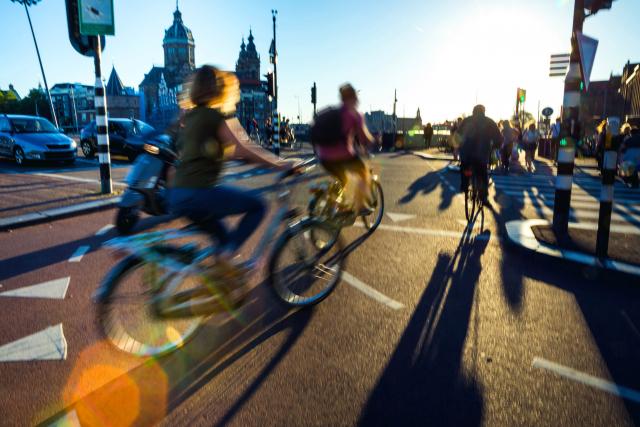 Les Pays-Bas vont interdire les téléphones intelligents à vélo