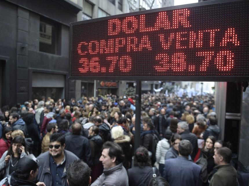 À la crise du peso, l'Argentine répond avec plus d'austérité