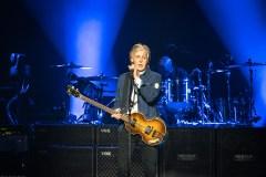 Paul McCartney sort un album et encourage la vaccination anti-COVID