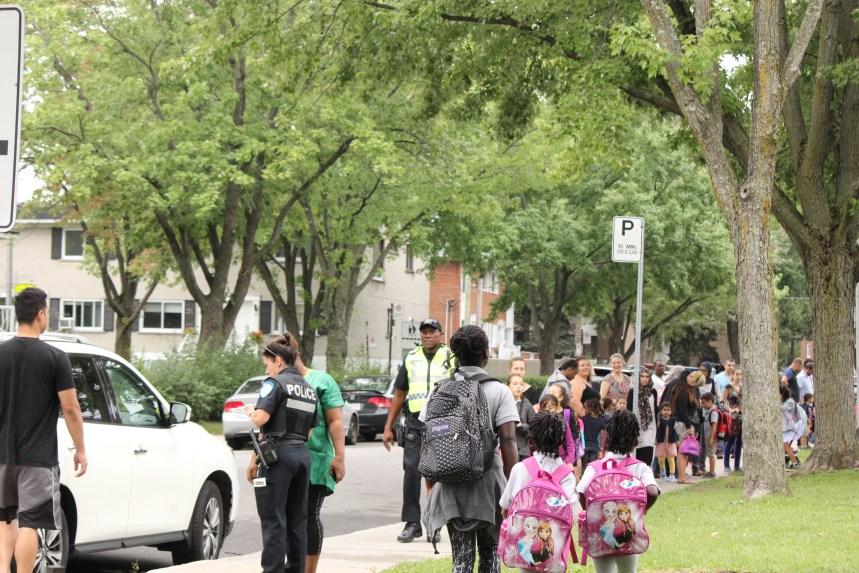 Police warning parents to be extra vigilant in school zones in St-Laurent