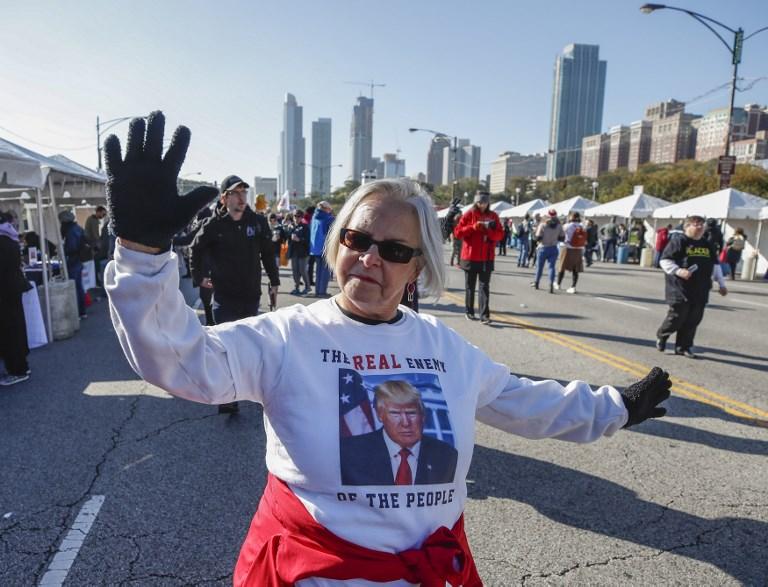 Rassemblement à Chicago contre la politique «anti-femmes» de Trump