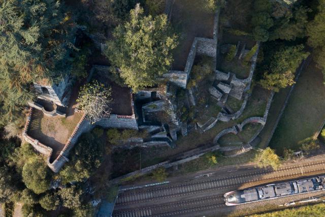 Un mystérieux site architectural tombé dans l'oubli se dévoile près de Nantes