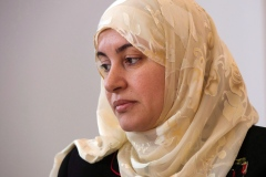 Une femme peut porter son hijab en cour, tranche le tribunal