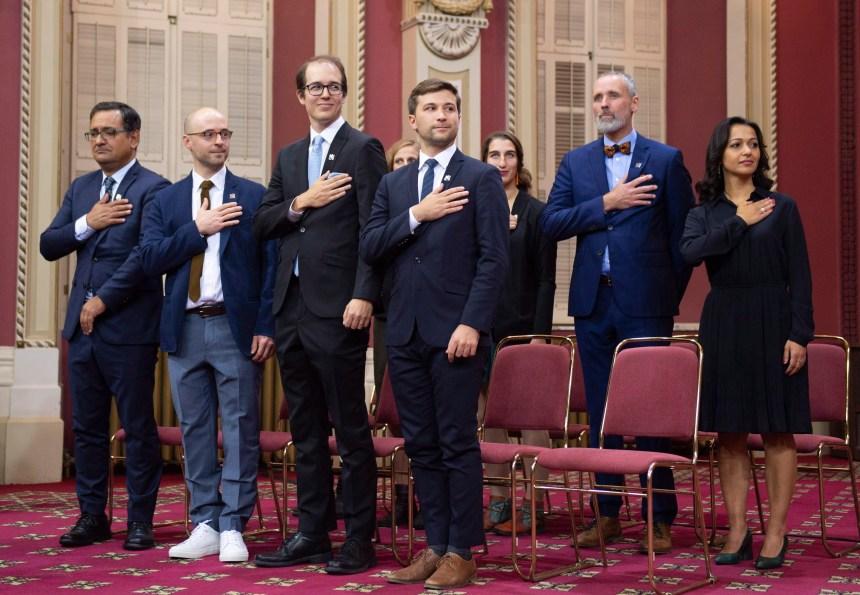 Les députés solidaires refusent de prêter serment à la reine en public