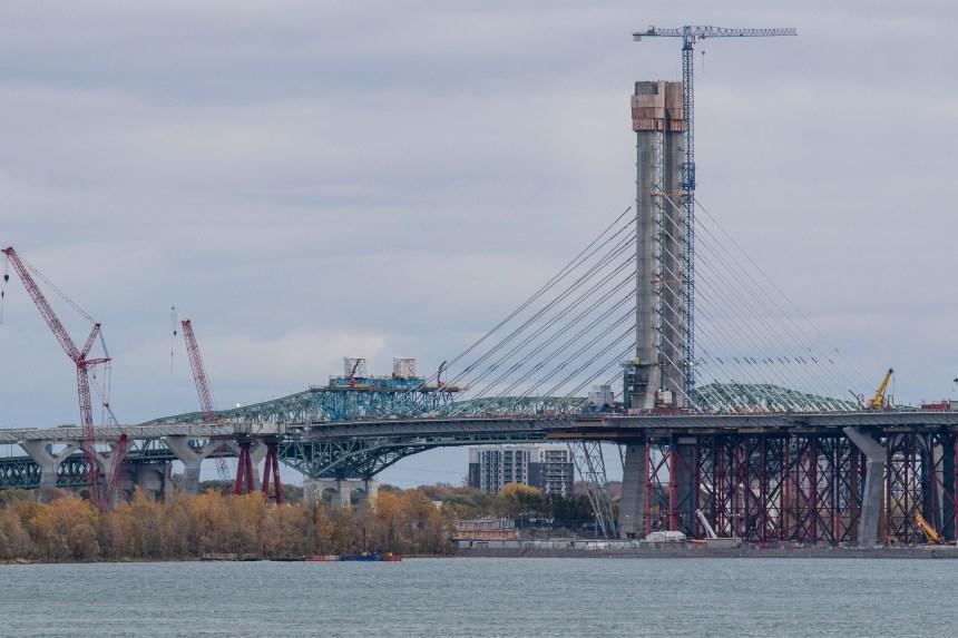 L'ouverture du nouveau pont Champlain repoussée