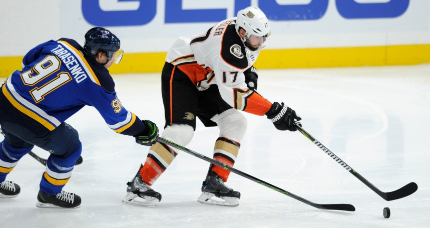 Les Ducks l'emportent 3-2 contre les Blues