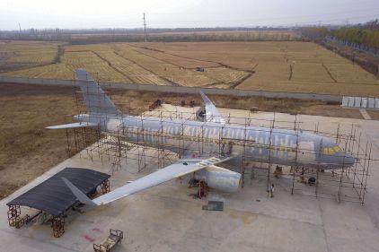 Un paysan chinois qui rêvait de piloter un avion finit par en construire un