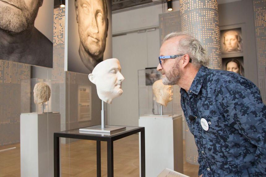 Mon sosie a 2000 ans: face à face avec l'antiquité