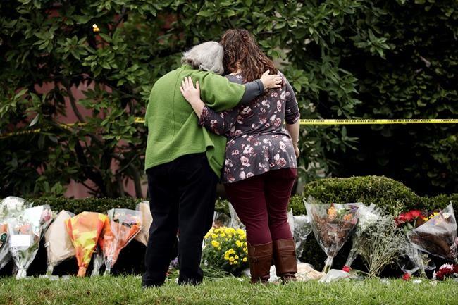 Des veilles en hommage aux victimes de Pittsburgh