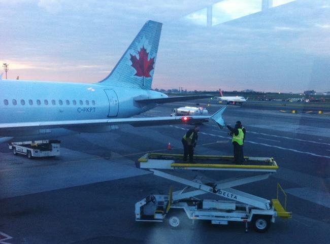 Accident avec un avion d'Air Canada à New York