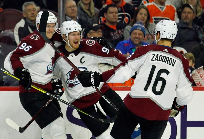 L'Avalanche inflige un revers de 4-1 aux Flyers