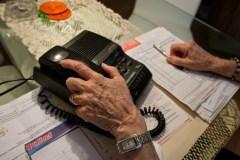 Cinq aînés détroussés de 3,1M$ dans une escroquerie téléphonique