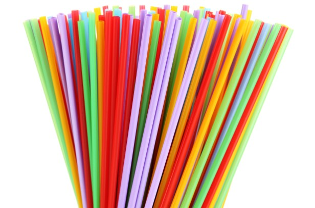 Les pailles jetables, un symbole dela lutte contre le plastique