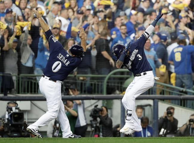 Les Dodgers donnent la réplique aux Brewers