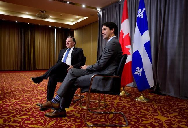 Marché du carbone: Legault veut aider Trudeau