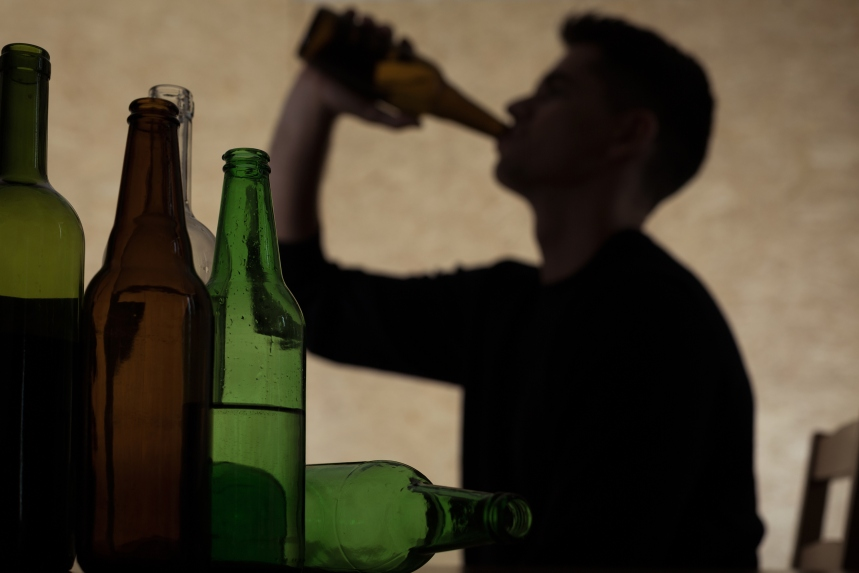 Alcool et cannabis: les Montréalais plus délinquants, selon un sondage