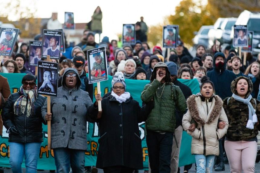 Tristesse et colère lors de l'hommage à Nicholas Gibbs, abattu par la police