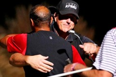 Mickelson remporte son duel avec Woods