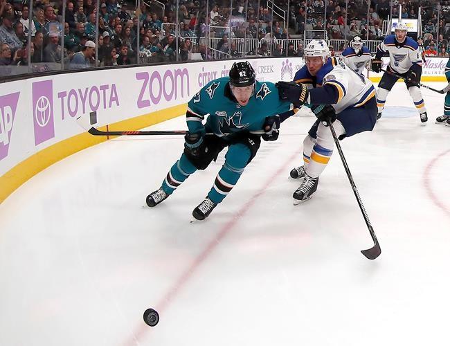 Karlsson marque un premier but avec les Sharks