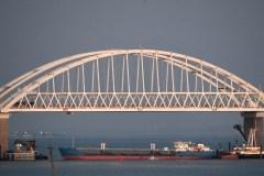 Mer d'Azov: Moscou confirme avoir capturé trois navires ukrainiens