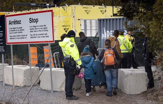 Les demandeurs d'asile coûteront 340M$ aux contribuables