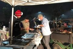 Des Canadiens aident les réfugiés en Californie