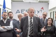 Bombardier: Québec se fait rassurant malgré le contrat de Via Rail