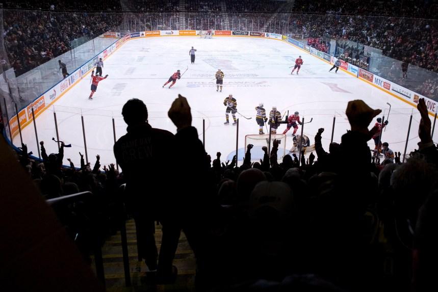 Ontario: les jeunes hockeyeurs resteront amateurs