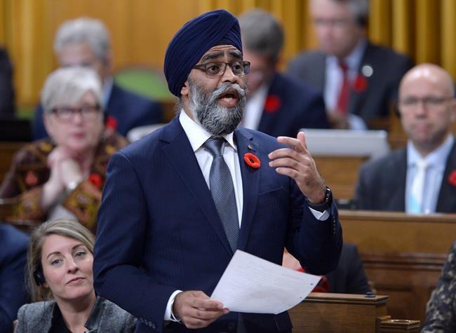 Ottawa investit des milliards de dollars de moins que promis en défense